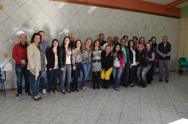 Amigos Voluntários Premiam Vencedores Da Campanha Do Agasalho